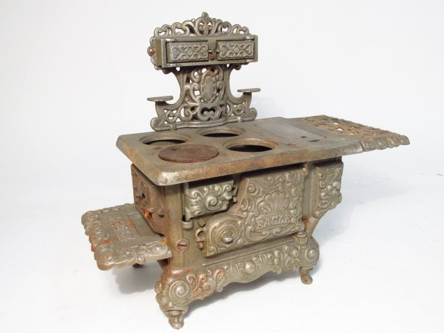 TWO EAGLE CAST IRON SALESMAN SAMPLE STOVES - 7