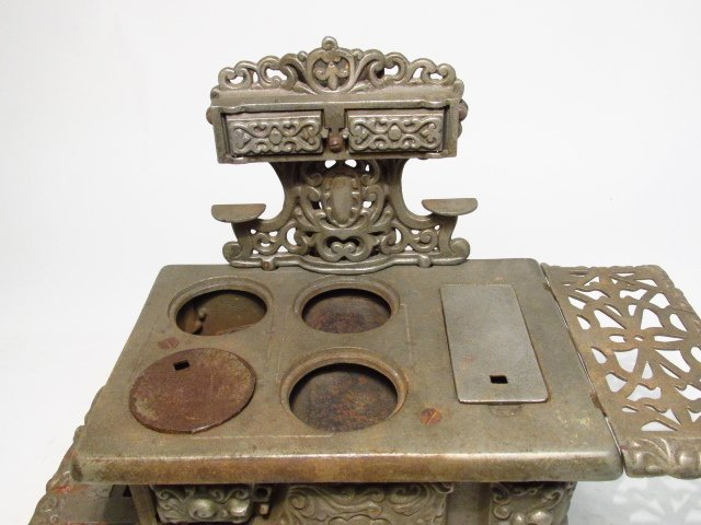 TWO EAGLE CAST IRON SALESMAN SAMPLE STOVES - 8