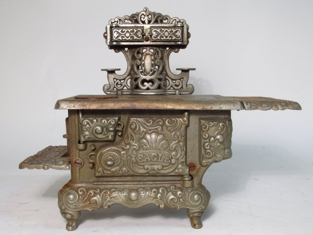 TWO EAGLE CAST IRON SALESMAN SAMPLE STOVES - 9