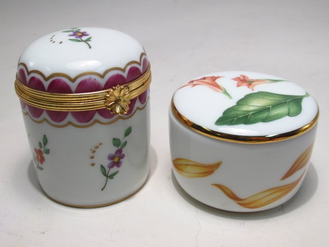 GROUP LIMOGES AND OTHER PILL BOXES, ETC: 13 PCS - 3
