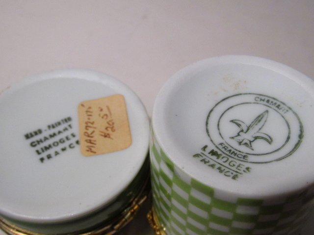 GROUP LIMOGES AND OTHER PILL BOXES, ETC: 13 PCS - 8