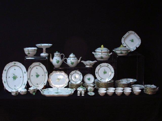 HEREND CHINESE BOUQUET (GREEN) DINNERWARE - 86 PCS