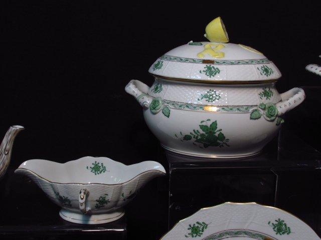HEREND CHINESE BOUQUET (GREEN) DINNERWARE - 86 PCS - 6