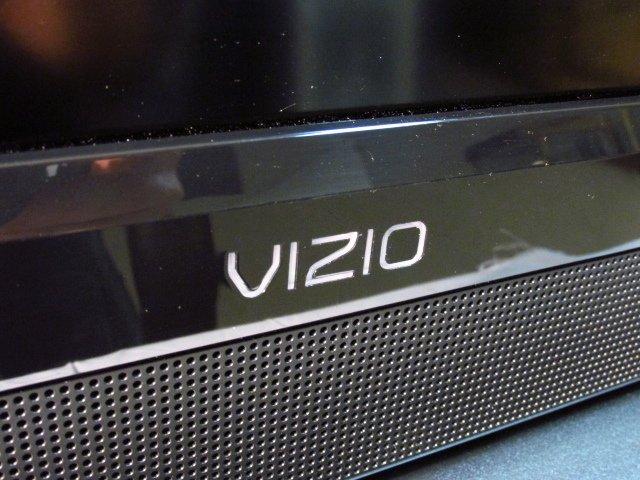 VIZIO VO420E 42-INCH LCD HDTV - 2