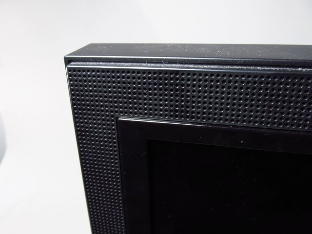VIZIO VO420E 42-INCH LCD HDTV - 3