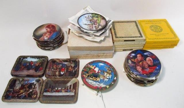 LARGE GROUP OF COLLECTOR'S PLATES: RELIGIOUS, BASE