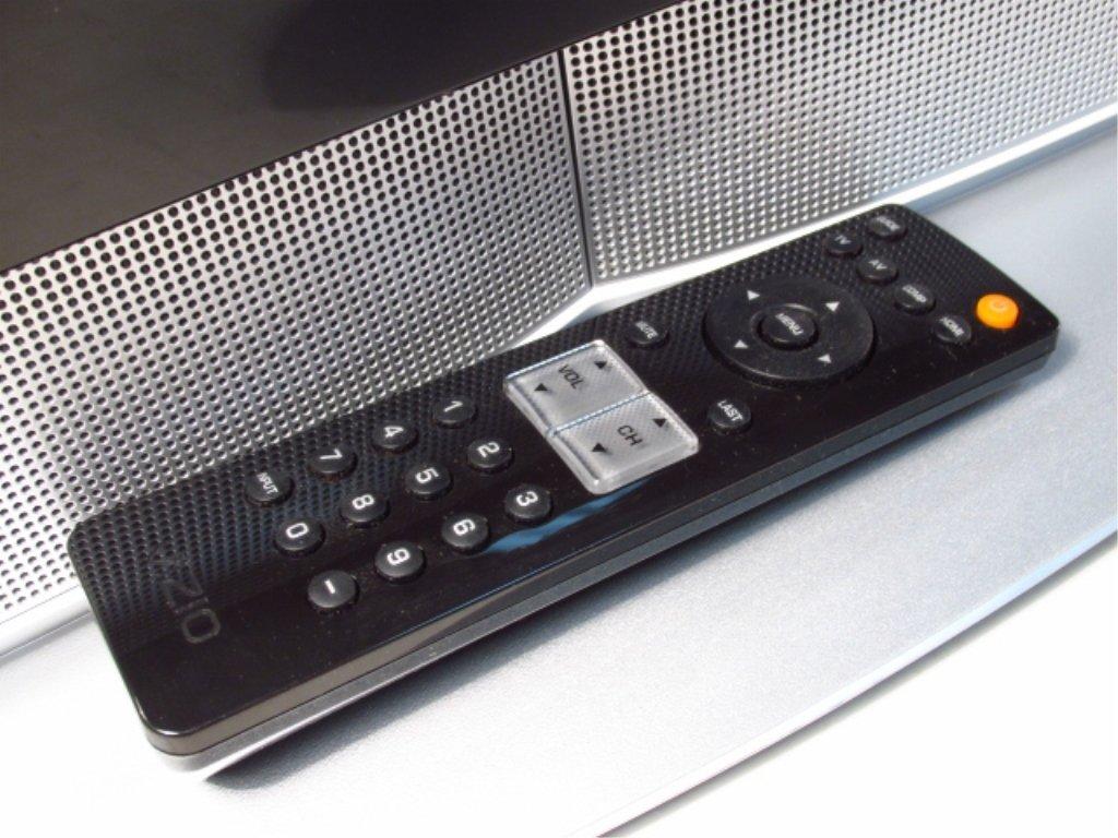 """VIZIO 32"""" LCD HD TELEVISION VX32L - 10"""