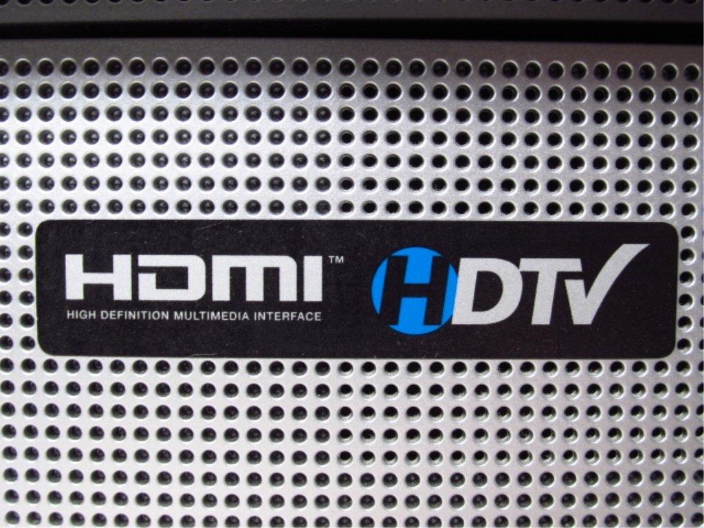 """VIZIO 32"""" LCD HD TELEVISION VX32L - 9"""