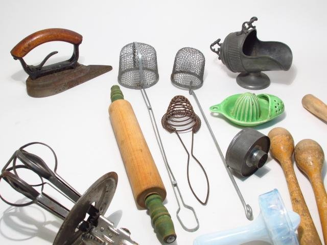 VINTAGE & PRIMITIVE KITCHEN TOOLS & ACCESSORIES: S - 3
