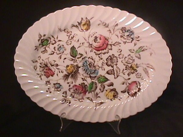 693: STAFFORDSHIRE BOUQUET JOHNSON BROTHERS DINNERWARE - 3
