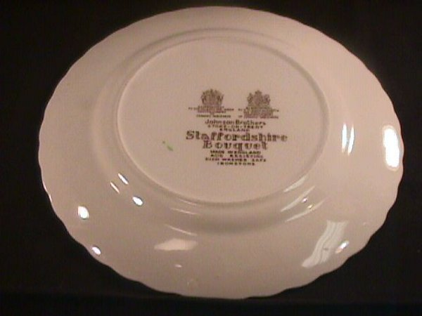 693: STAFFORDSHIRE BOUQUET JOHNSON BROTHERS DINNERWARE - 6