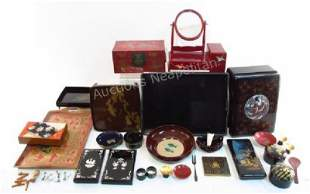 LARGE GROUP OF ASSORTED JAPANESE LACQUERWARE