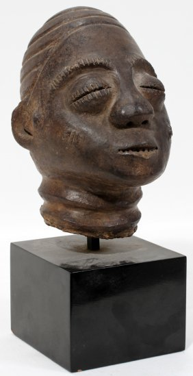 "9: AFRICAN CLAY HEAD, BENIN STYLE, H 6"", RAISED"
