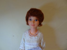 45: 19'' IDEAL MOLDED PLASTIC 1977 DOLL
