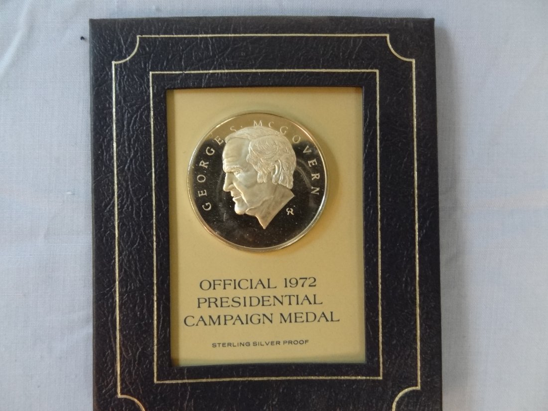 GEORGE MCGOVERN OFFICIAL 1972 PRESIDENTIAL CAMPAIGN MED