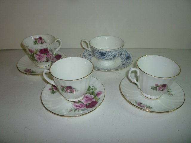 TEA CUPS AND SAUCERS: 3 PINK ROSE BY DUCHESS MADE IN EN