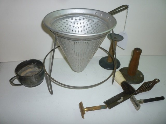 MISC METAL ITEMS: 2 DOUBLE EDGED RAZORS, METAL CUP, SHA