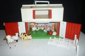 FISHER PRICE PLAY FAMILY FARM: VINTAGE 1986 WITH FARM A