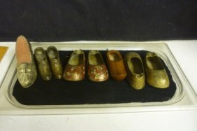 DECORATIVE ITEMS: MINIATURE SHOES 3 PAIRS AND 2 SINGLE