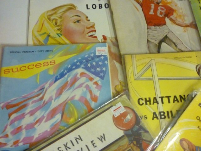 VINTAGE COLLEGE FOOTBALL PROGRAMS: LOT OF 10, MOSTLY 19 - 2