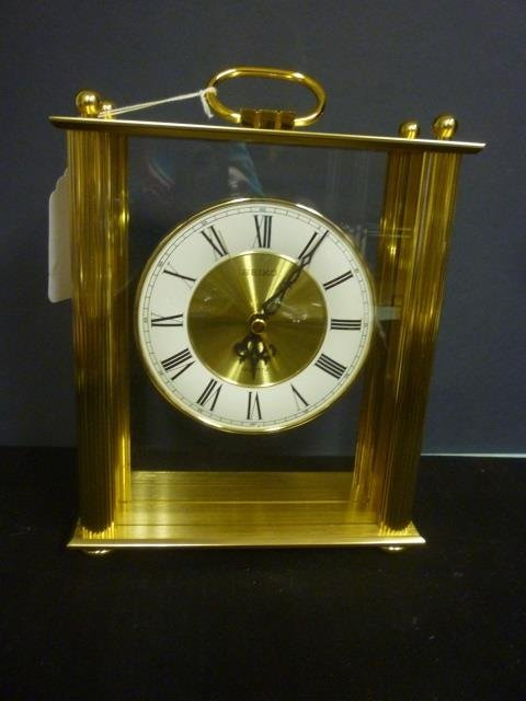 SEIKO MANTLE CLOCK: MODERN GOLD TONED CLOCK WITH HANDLE