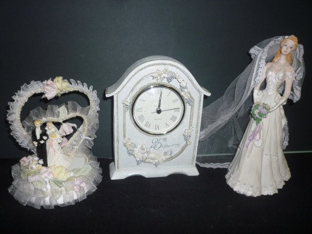WEDDING COLLECTIBLES: SCHMID BRIDE FIGURIN WITH FABRIC