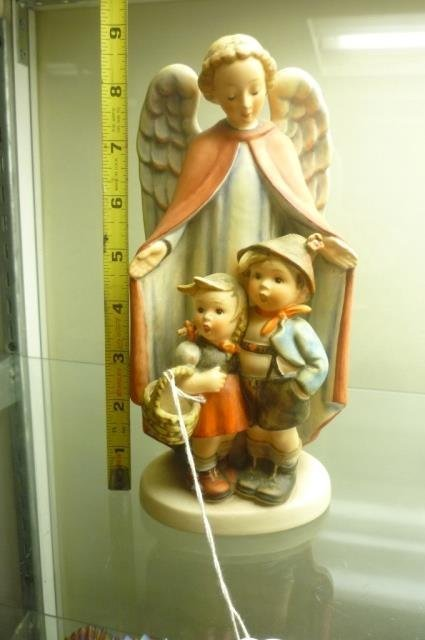 "HUMMEL FIGURE#88 ""HEAVENLY PROTECTION"" 9"" STYLIZED BEE"