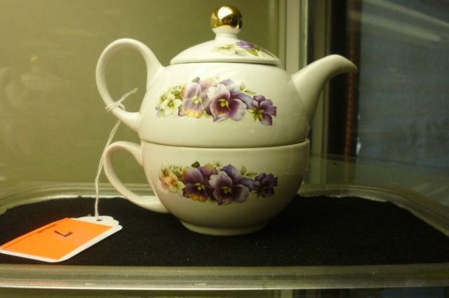STAFFORDSHIRE TEA POT AND CUP SET WHITE WITH PURPLE