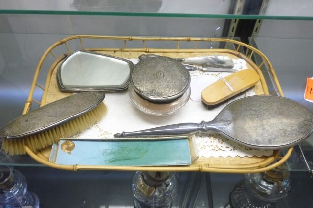 ANTIQUE STERLING VANITY AND BRUSH SET LOT OF ANTIQUE