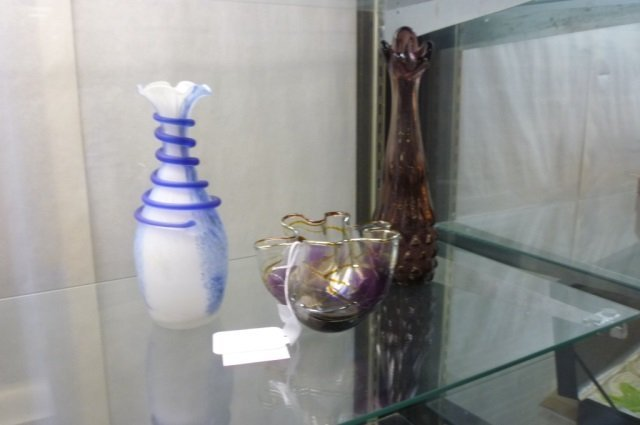 3 BUD VASES BLOWN GLASS WITH GLASS WRAP IN BLUE AND