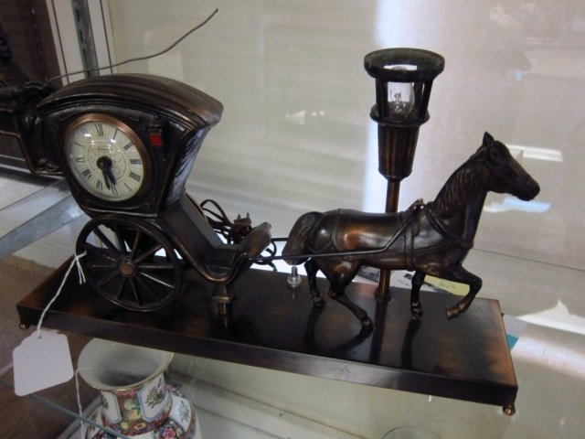 UNITED STAGECOACH & HORSE CLOCK & LIGHT CAST METAL,