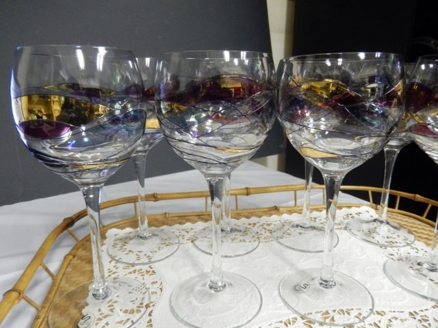 8 ROMANIAN GLASS WINE GLASSES LOT INCLUDES 8 WINE