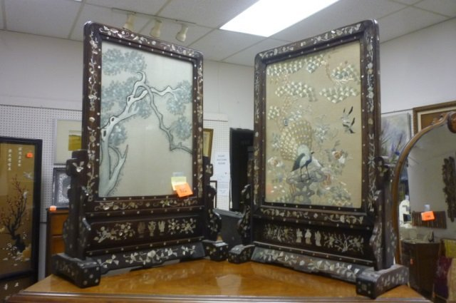 ASIAN PAIR OF SILK EMBROIDERY PLAQUES PAIR OF ASIAN