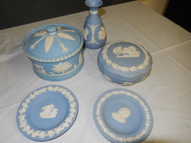 JASPER WEDGWOOD PIECES LOT OF 5 WEDGWOOD INCLUDES 1