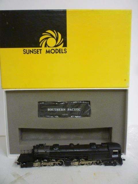 LOCOMOTIVE: SUNSET MODELS HO SOUTHERN PACIFIC CAB