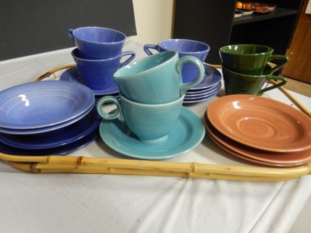 FIESTA LIKE CUPS AND SAUCERS LOT INCLUDES 7 CUPS AND AT