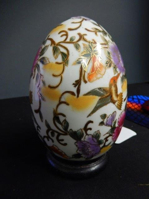 DECORATIVE EGG HUMMINGBIRDS AND FLOWERS. PINK WITH GOLD