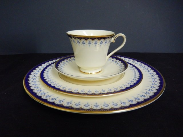 MINTON CONSORT 4 PIECE PLACE SETTING 1 DINNER PLATE, 1