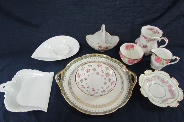 MISC PORCELAIN LOT (10) CREAM AND SUGAR, PITCHER, CUP,