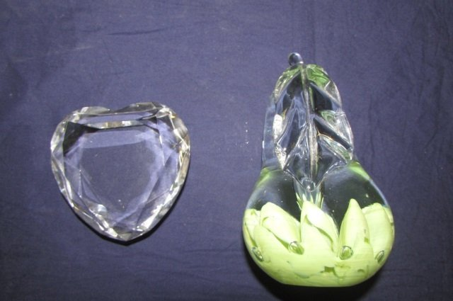 2 ART GLASS PAPERWEIGHTS ROSENTHAL HEART SHAPED 3 1/2