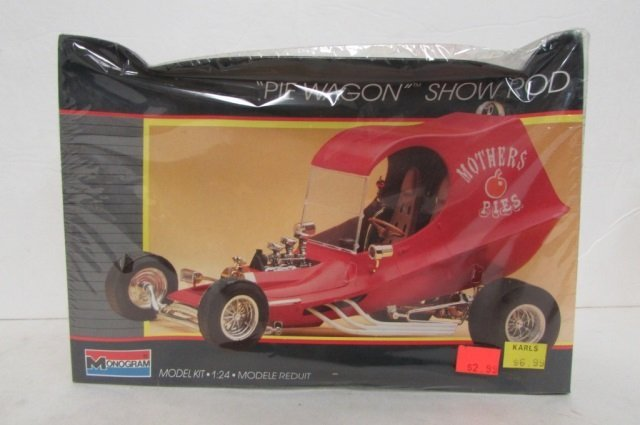 """2 """"PIE WAGON"""" SHOW ROD MODEL KITS BOTH ARE IN ORIGINAL - 2"""