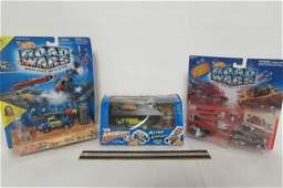 HOT WHEELS ROAD WARS  ASTRO ROVER 3 ALL ARE IN