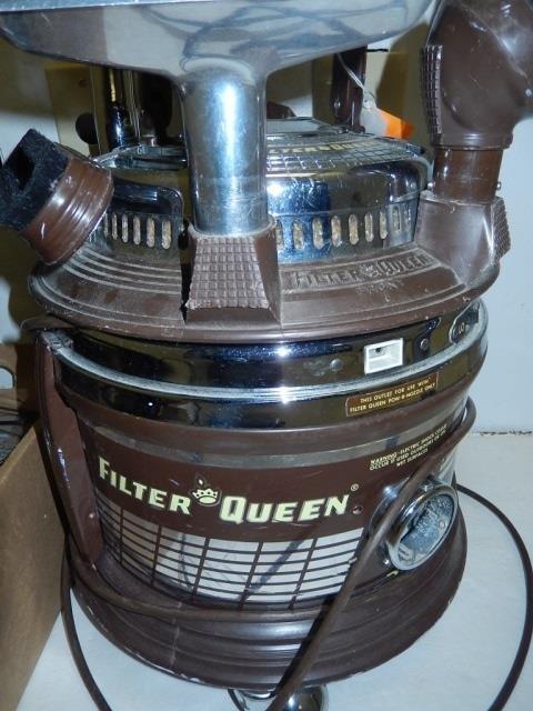 VINTAGE FILTER QUEEN VACUUM CLEANER - 2