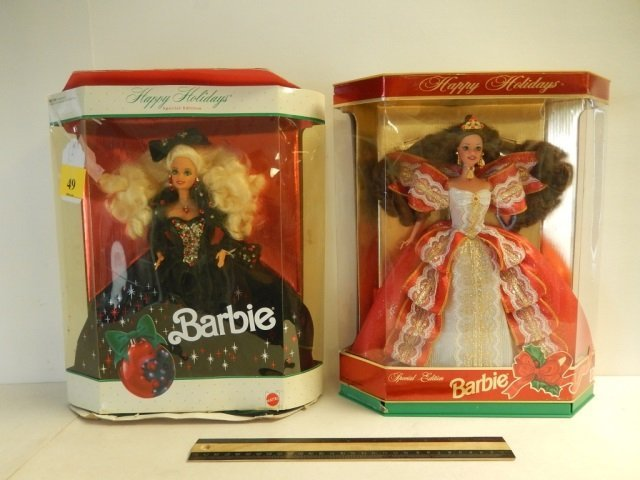 HAPPY HOLIDAY BARBIE DOLLS (2) 1991 MATTEL HAPPY
