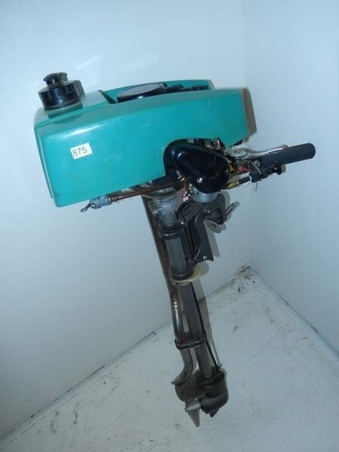 CRUISE N CARRY OUTBOARD MOTOR MODEL 6600, OUTBOARD