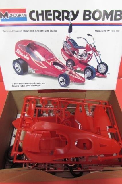 3 VINTAGE PLASTIC CAR MODEL KITS CHERRY BOMB, 1965 - 4