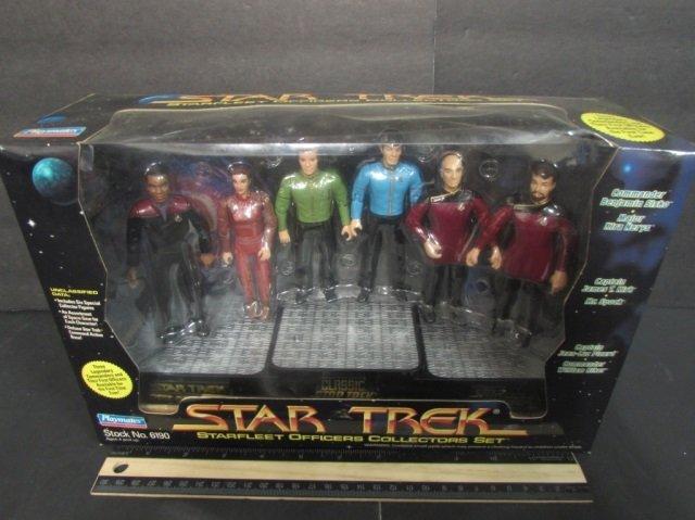 STAR TREK STARFLEET OFFICERS COLLECTORS SET NEW IN