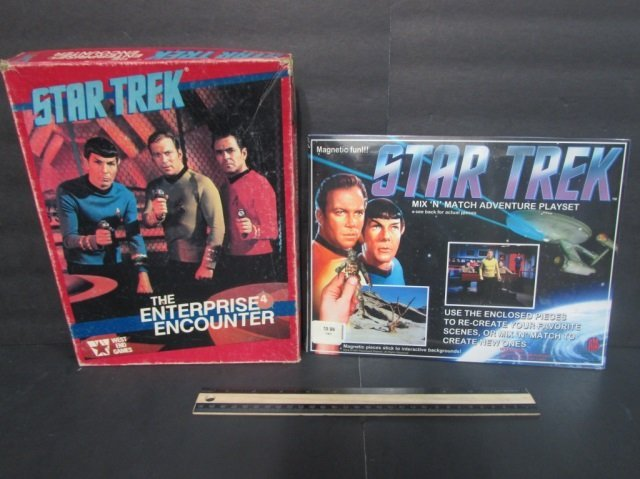 STAR TREK BOARD GAME & MAGNET PLAYSET (2) BOTH ARE IN