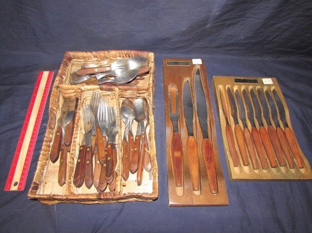 VINTAGE TOWN AND COUNTRY FLATWARE SET (52) VINTAGE