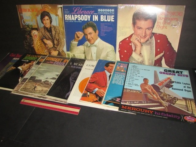 VINYL RECORDS (11) SIGNED LIBERACE PRESENTENTS VINCE
